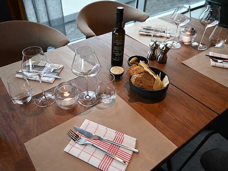 Gris Bleu - La table